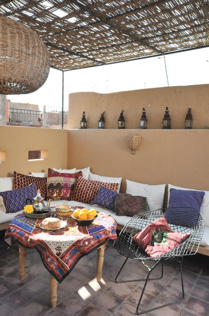 20 Cozy Chic Patio Design Ideas Perfect for Sunny Days (13)