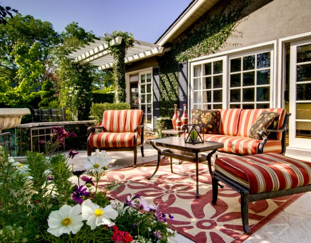 20 Cozy Chic Patio Design Ideas Perfect for Sunny Days (18)