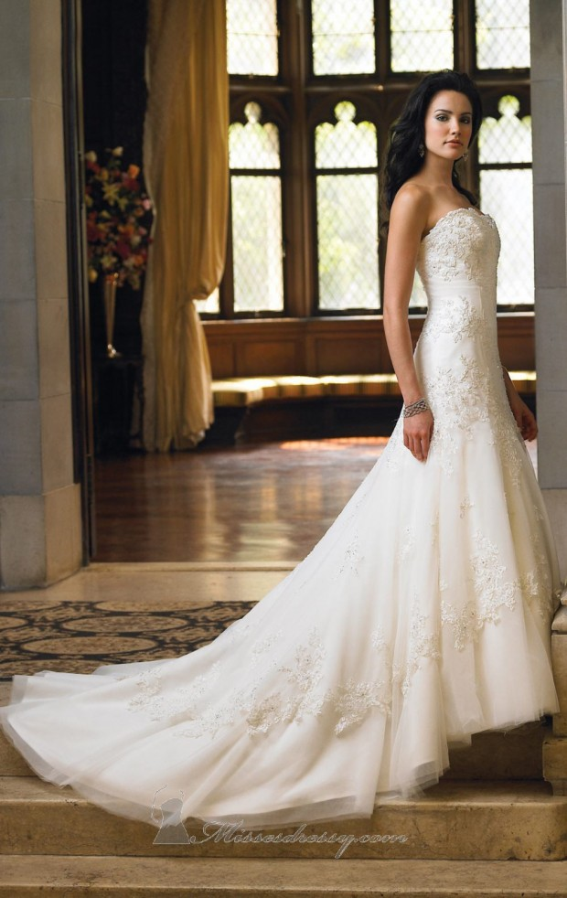 20 Elegant Strapless Wedding Dresses (13)