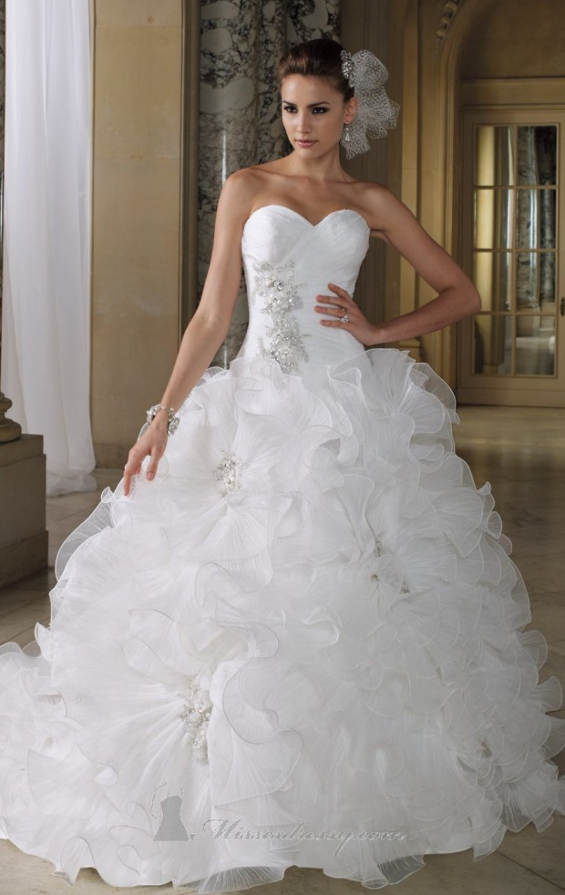 20 Elegant Strapless Wedding Dresses (17)