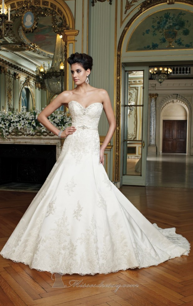 20 Elegant Strapless Wedding Dresses (19)