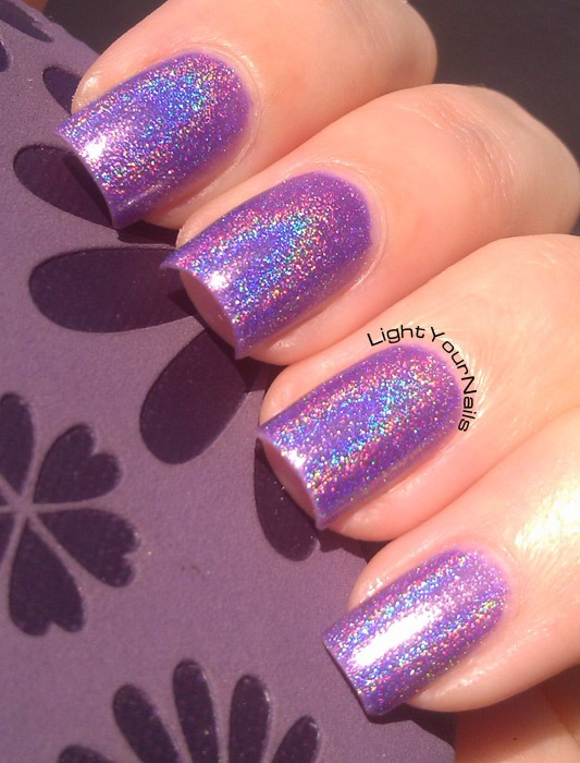 24 Beautiful Purple Nail Art Ideas (17)