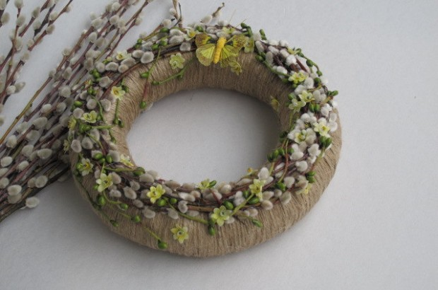 26 Creative and Easy Handmade Easter Wreath Designs (11)