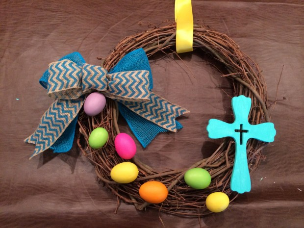 26 Creative and Easy Handmade Easter Wreath Designs (12)