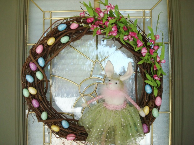 26 Creative and Easy Handmade Easter Wreath Designs (18)