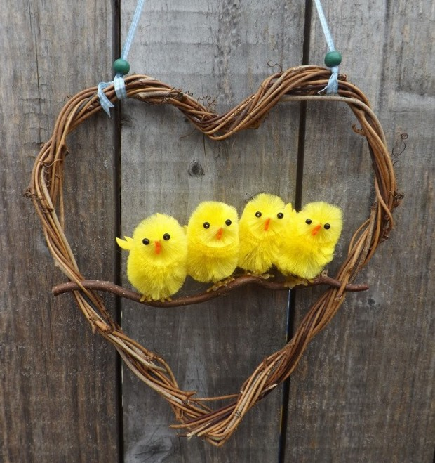 26 Creative and Easy Handmade Easter Wreath Designs (3)