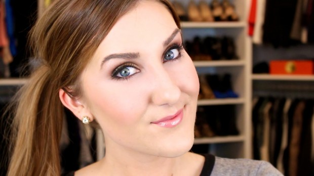 17 Ways How To Look Fascinating This Season with Smokey Eyes