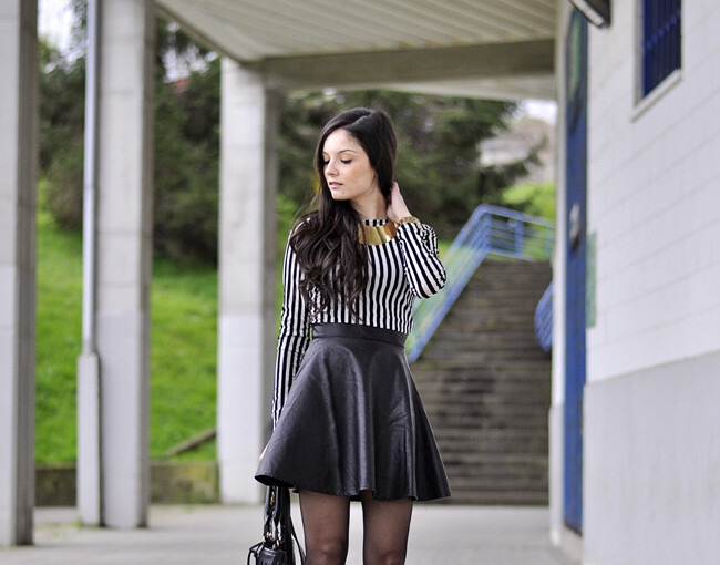 18 Fancy Leather Skirts For Your Look Improvement - woman outfit, skirts, skirt outfit, mini skirt, Leather skirts