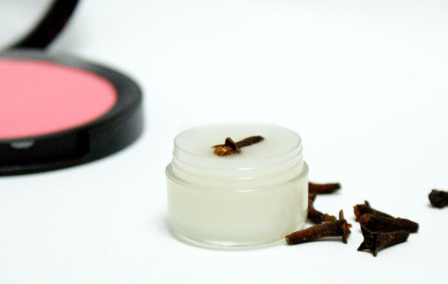 18 Great DIY Beauty Products That You'll Love