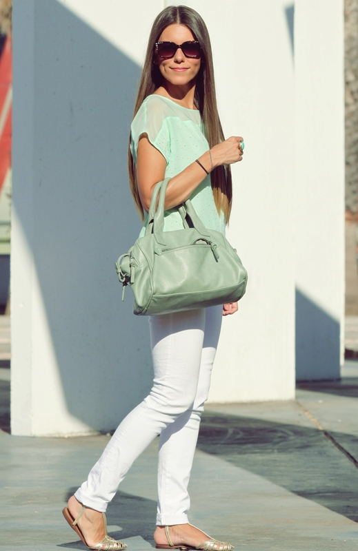 How to Wear White Jeans 17 Stylish Outfit Ideas (16)