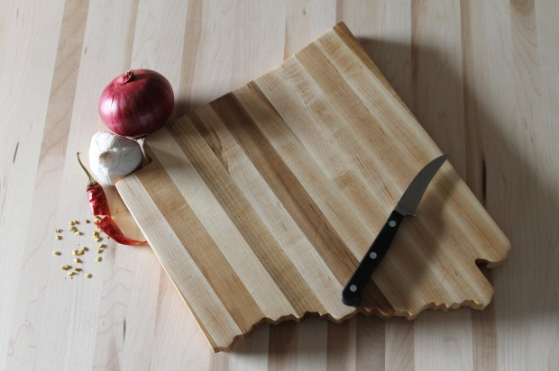 15 Beautiful Handmade Cutting Board Gifts (3)