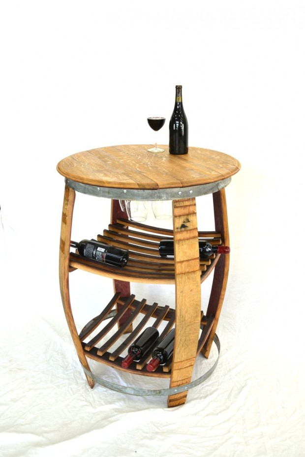 15 Cool DIY Projects From Recycled Wine Barrel Wood (11)