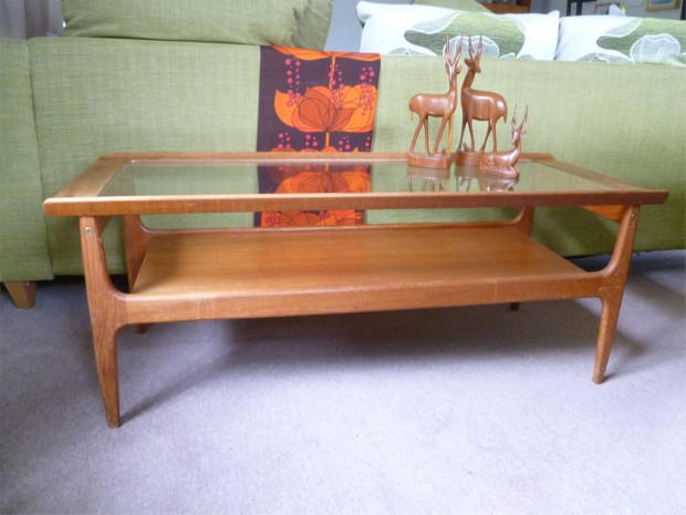 15 Everlasting Mid Century Vintage Table Designs