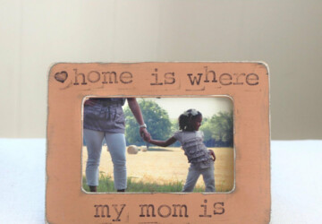 15 Handmade Home Decoration Gifts for Mother's Day - wall, vase, tulip, spring, Pillow, picture, mum, Mug, mother's, mother, mom, home, holiday, handmade, glass, gifts, gift, frame, Flower, decoration, day, clock, Bowl, book