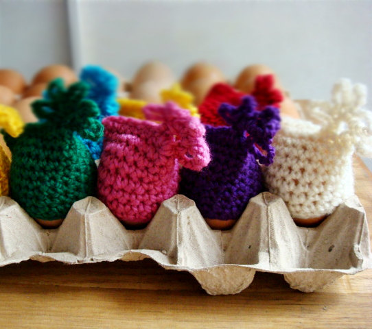 16 Adorable Handmade Easter Egg Cozies