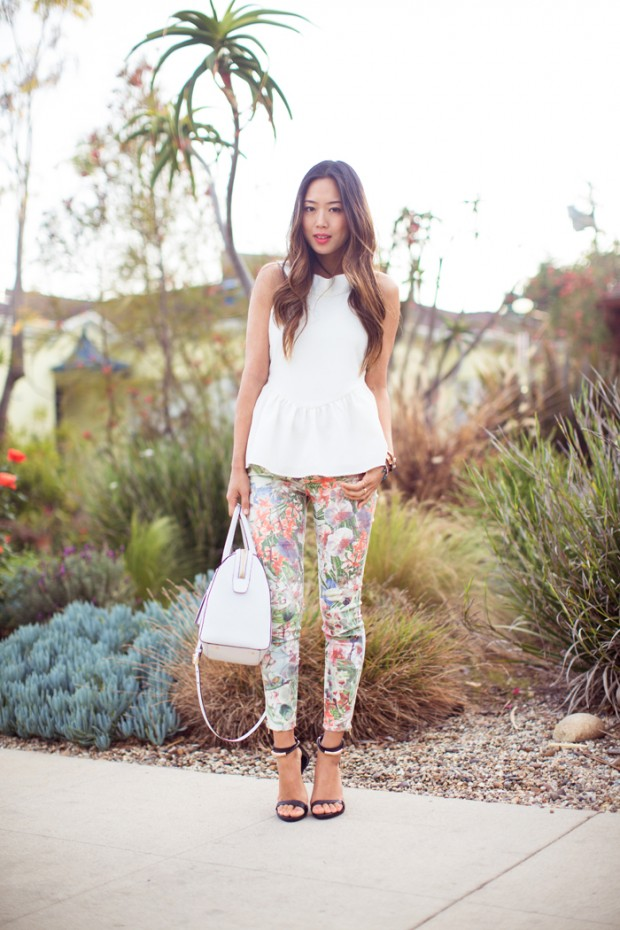 17 Amazing Outfit Ideas with Floral Pants (1)