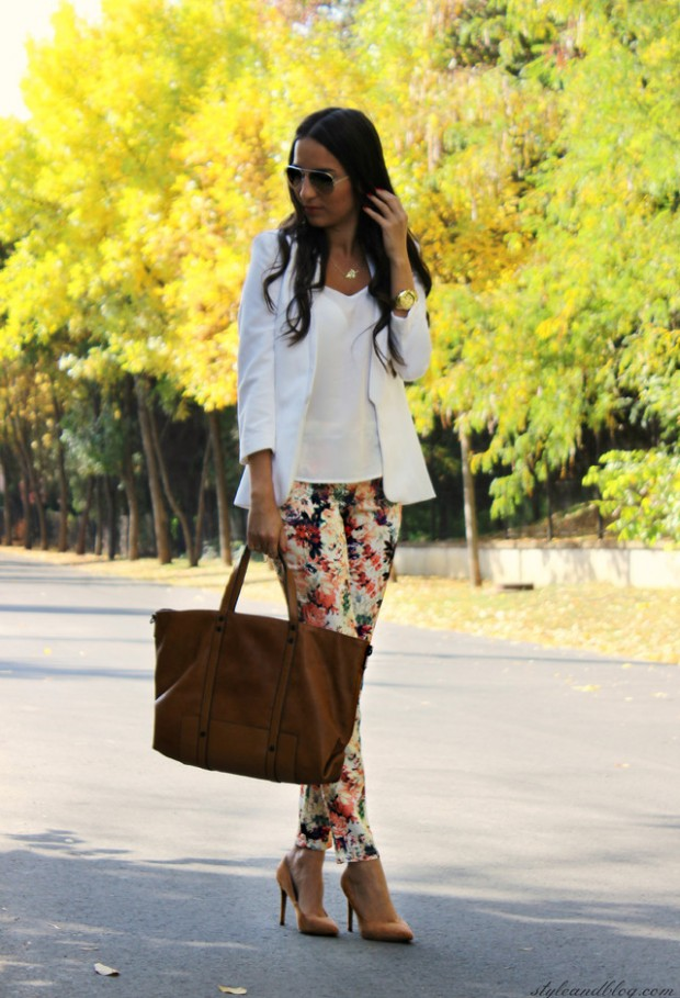 17 Amazing Outfit Ideas with Floral Pants (11)