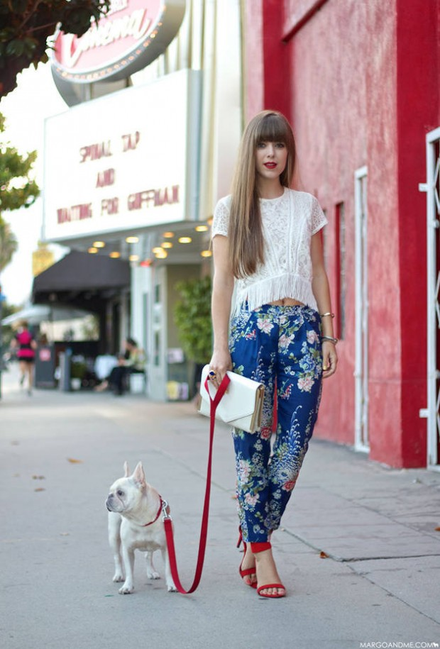 17 Amazing Outfit Ideas with Floral Pants (15)