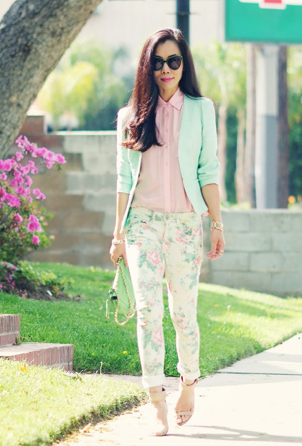 17 Amazing Outfit Ideas with Floral Pants (3)