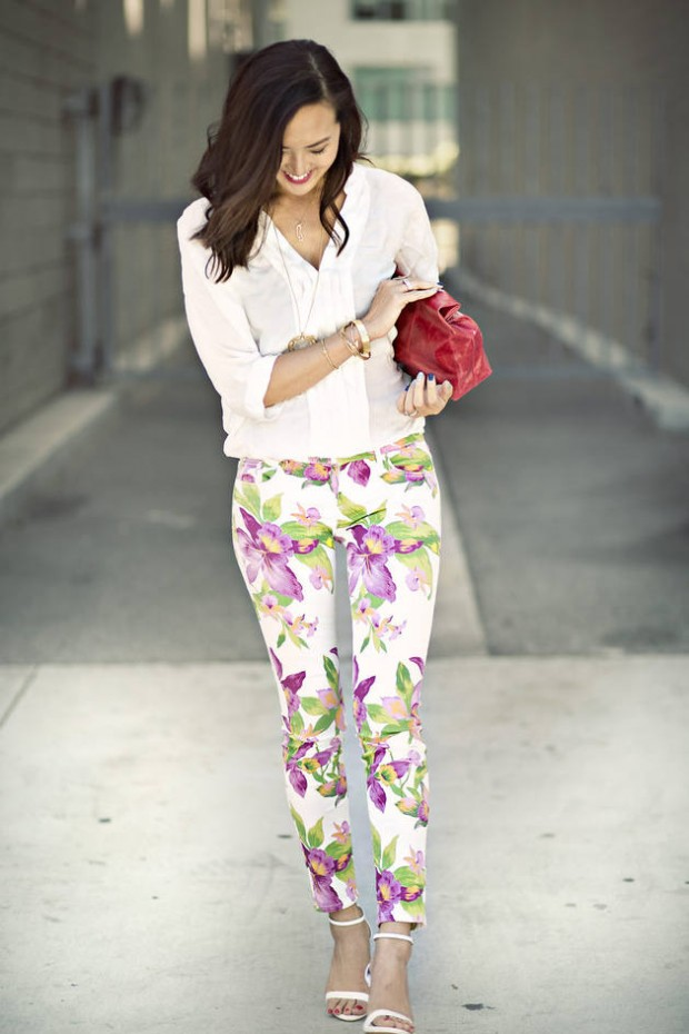 17 Amazing Outfit Ideas with Floral Pants (7)