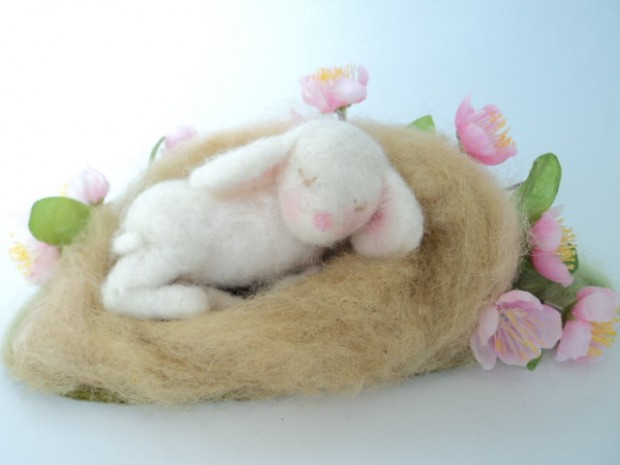 17 Cute & Handmade Needle Felted Easter Decorations (1)