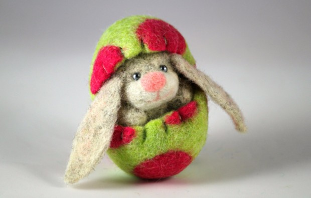 17 Cute & Handmade Needle Felted Easter Decorations (11)