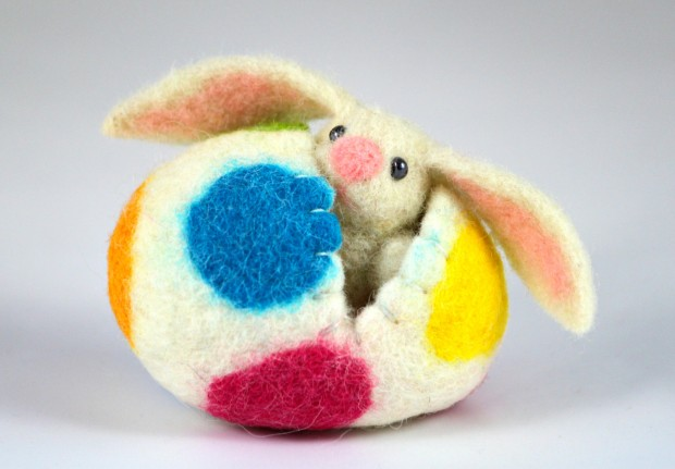 17 Cute & Handmade Needle Felted Easter Decorations (3)