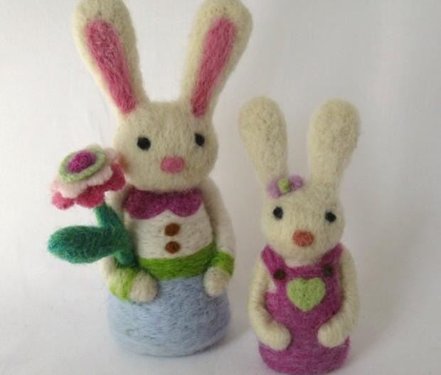 17 Cute & Handmade Needle Felted Easter Decorations (4)
