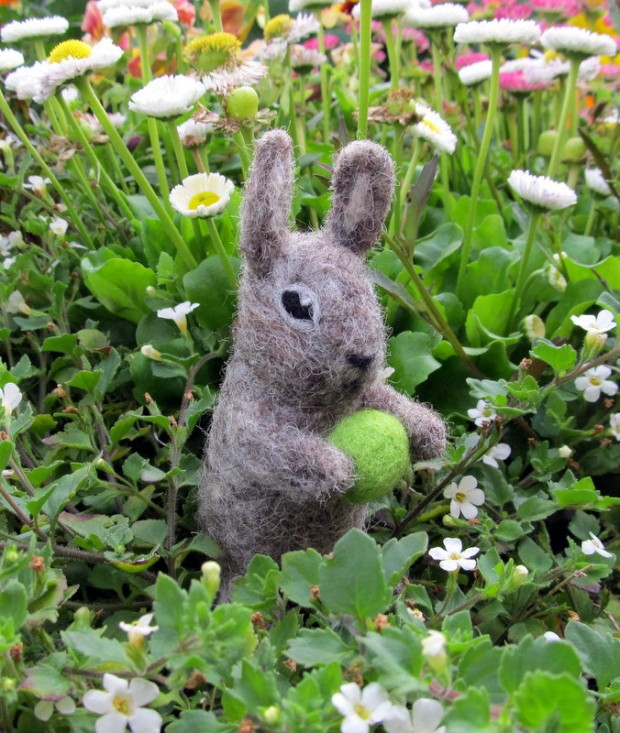 17 Cute & Handmade Needle Felted Easter Decorations (8)