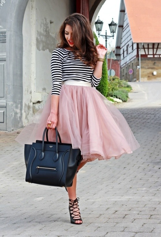17 Outfit Ideas with Tulle Skirts for Romantic Look (1)