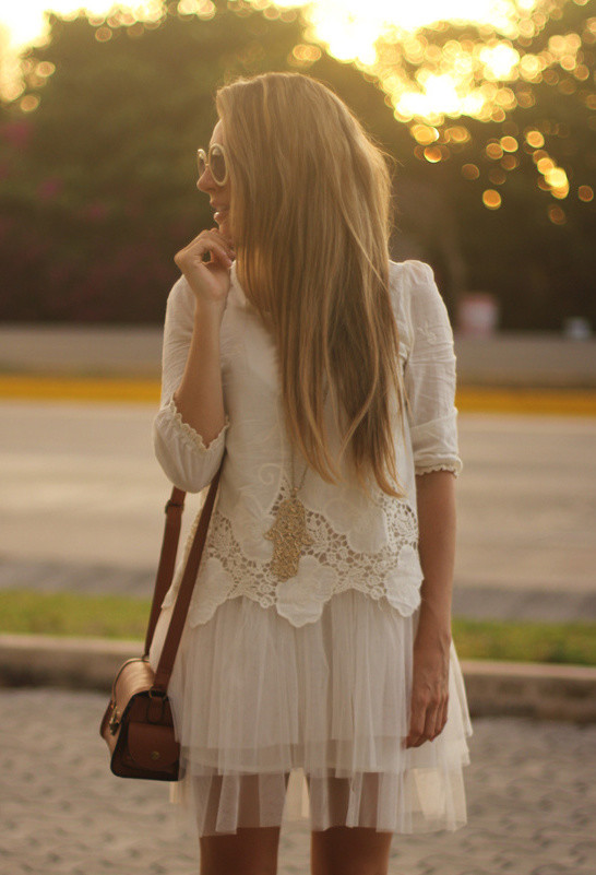 17 Outfit Ideas with Tulle Skirts for Romantic Look (8)