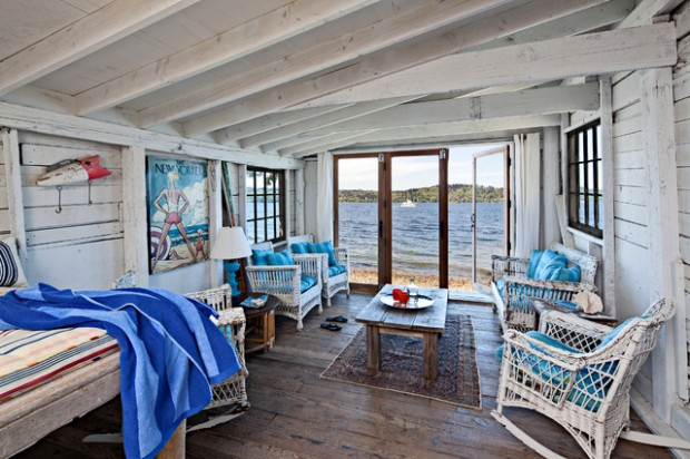 18 beach cottage interior design ideas inspired by the sea for Ocean themed interior design
