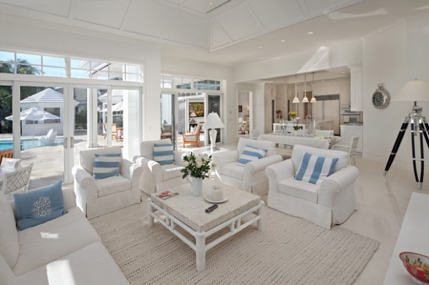 18 beach cottage interior design ideas inspired by the sea for Beach house decorating ideas photos