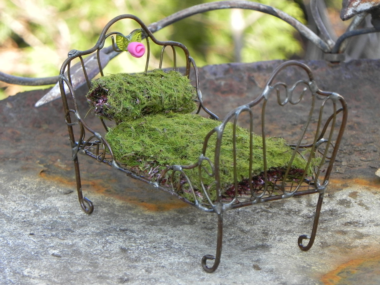 Magnificent Miniature Fairy Garden Bed 1280 x 960 · 274 kB · jpeg