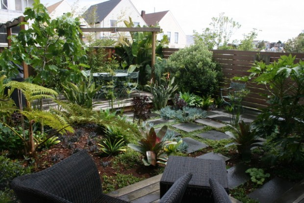 18 Landscaping Ideas for Small Backyards (17)