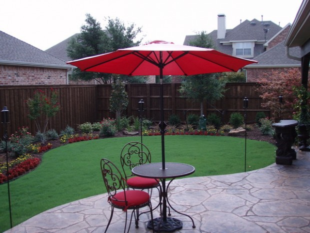 18 Landscaping Ideas for Small Backyards (4)