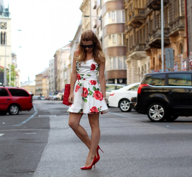 23  Examples of Trendy Floral Dresses for This Season