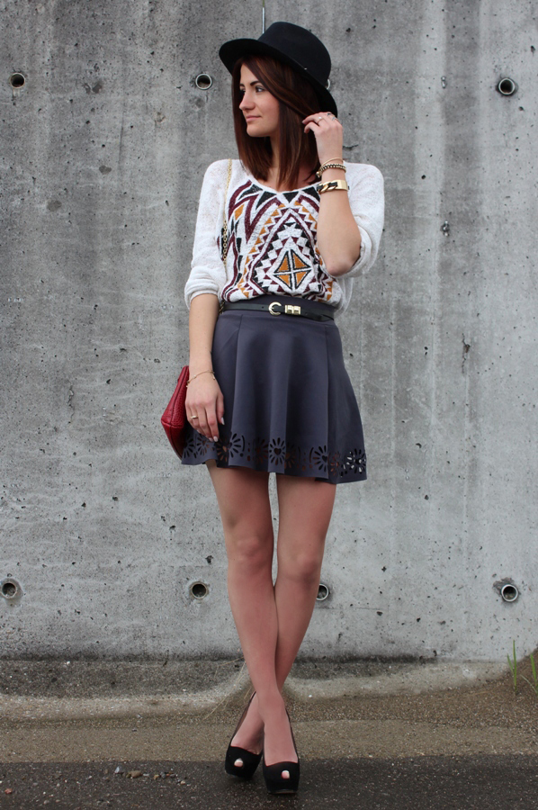 20 Outfits with Skirts for Trendy Chic Spring Look (10)