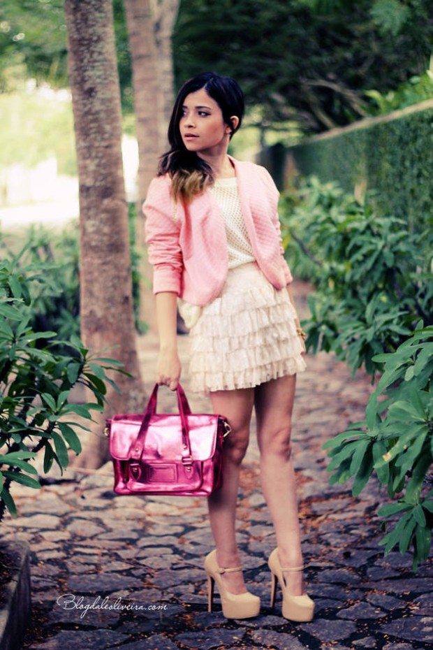 20 Outfits with Skirts for Trendy Chic Spring Look (5)