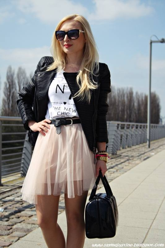 20 Outfits with Skirts for Trendy Chic Spring Look (8)