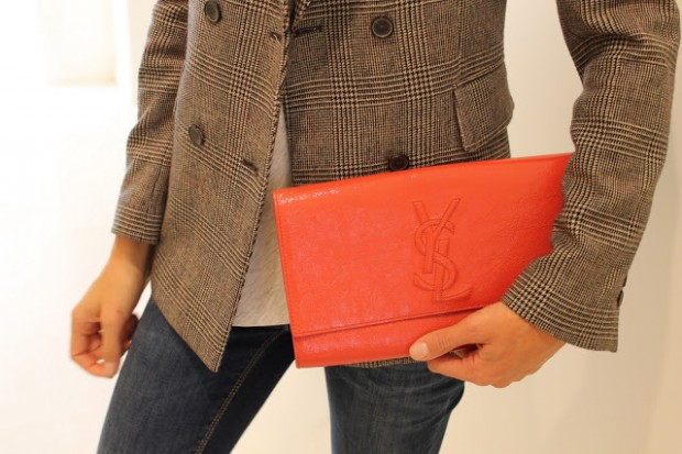 Clutches Handbags: 23 Creative Ways To Wear and Combine