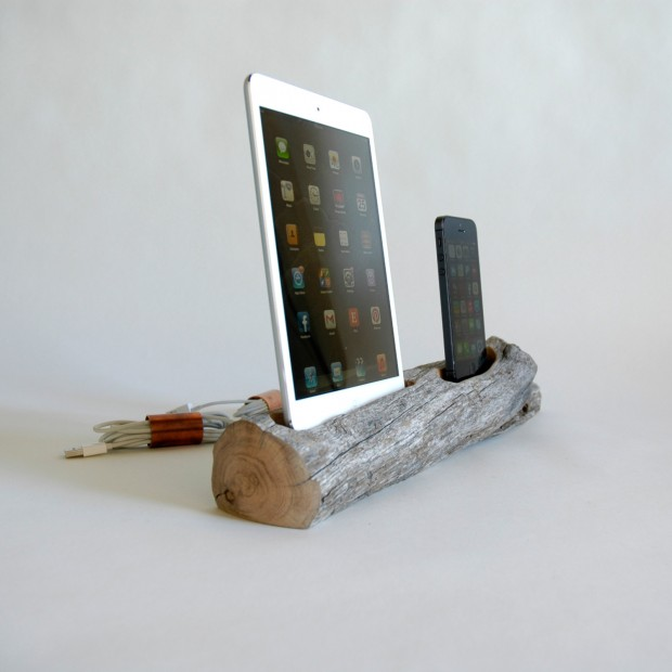 22 Easy DIY Driftwood Docking Stations for Your Devices (17)