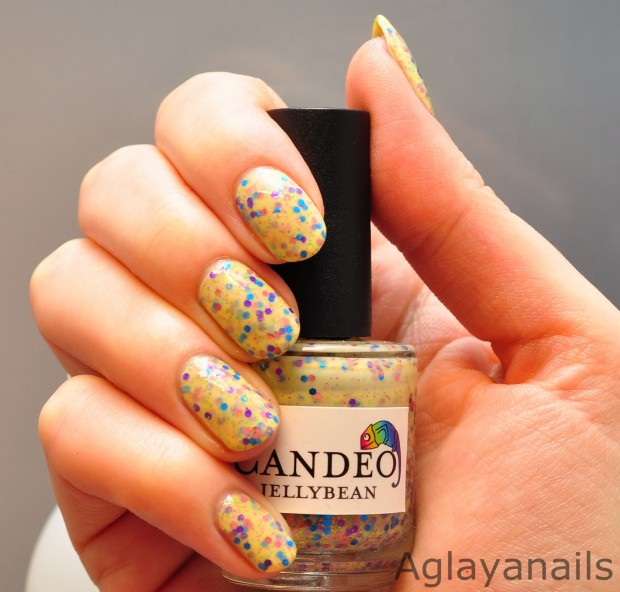 Different Shades of Yellow on Your Nails for Crazy Summer Nail Design (4)