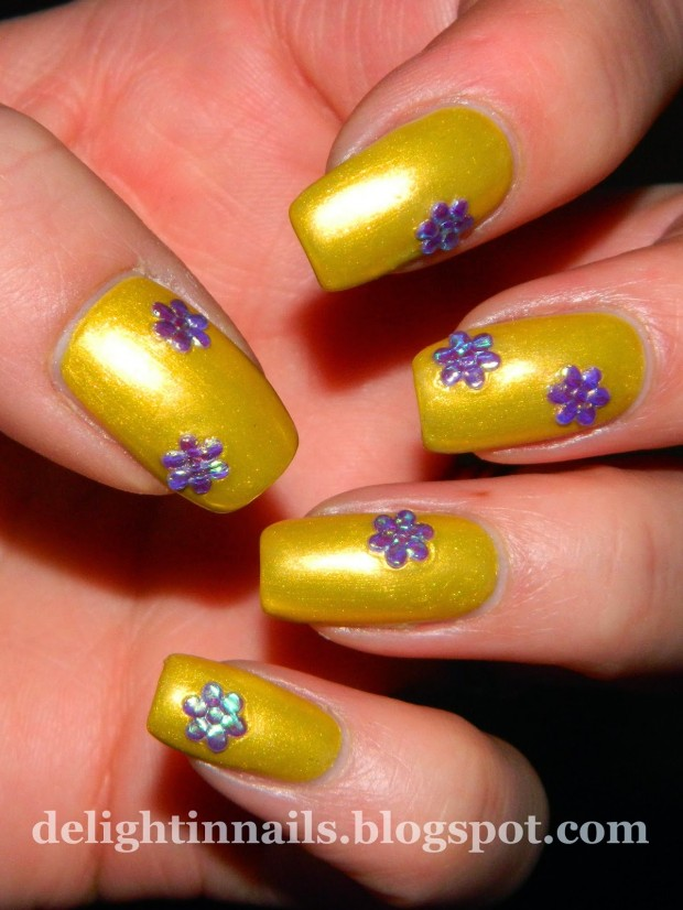 Different Shades of Yellow on Your Nails for Crazy Summer Nail Design (8)