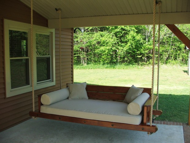 15 Custom Handcrafted Porch Swing Designs (12)