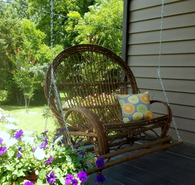15 Custom Handcrafted Porch Swing Designs (15)