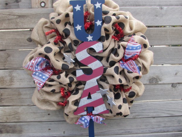 15 Festive Handmade 4th of July Wreath Designs (1)