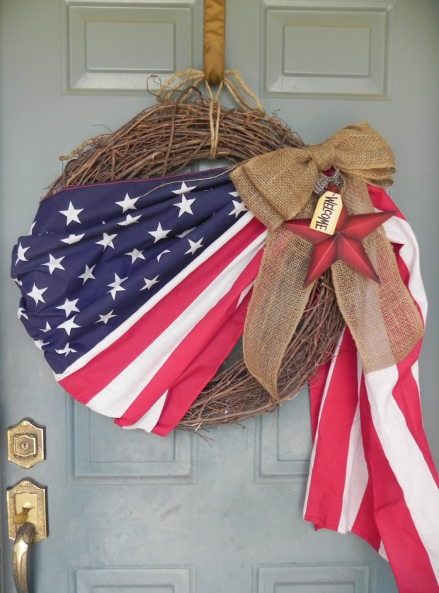 15 Festive Handmade 4th of July Wreath Designs (13)