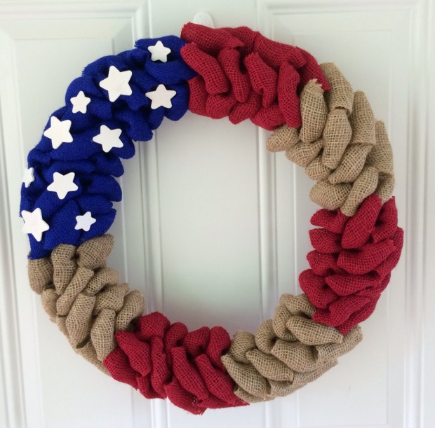 15 Festive Handmade 4th of July Wreath Designs (14)