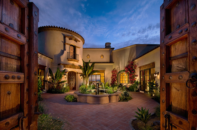 Amazing courtyards 19 landscaping design ideas style Old world house plans courtyard